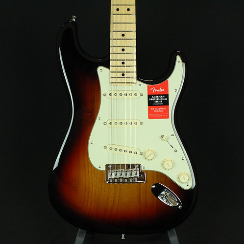Fender® American Pro Stratocaster® Maple Neck, 3-Color Sunburst