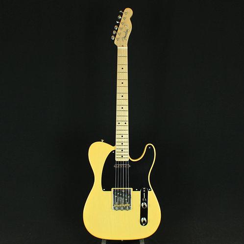 Fender® Vintage '52 Telecaster® Maple Neck, Butterscotch Blonde