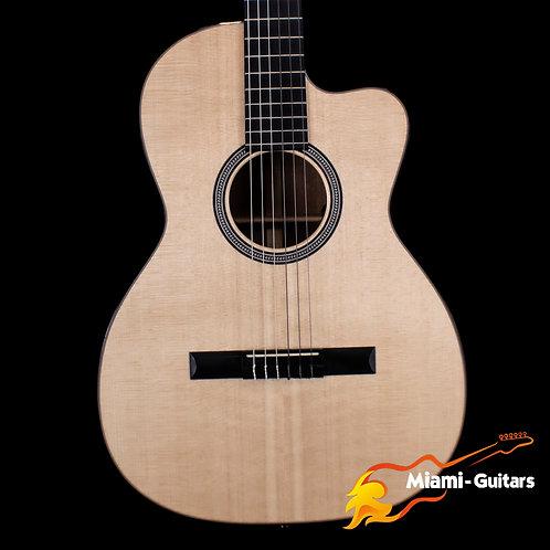 Martin 000C-N 12-Fret Nylon String Acoustic Electric Guitar (7031)