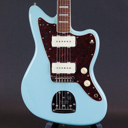 Fender Limited Edition 60th Anniversary Classic Jazzmaster Daphne Blue