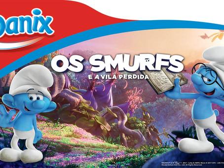 Os Smurfs estampam as novas embalagens de Danix