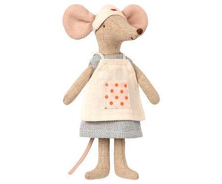 Krankenschwester Maus, große Schwester