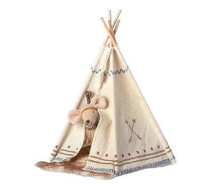 Indianer Maus Little Feather im Zelt, kleine Schwester