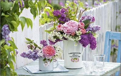 Karte Blumenstrauß auf Gartentisch 8 x 13 cm