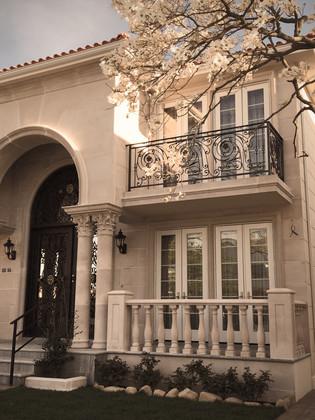 Whitestone 20 Ave R3A 2 Family