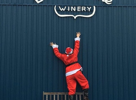Santa Spotted near Broken Stone Winery