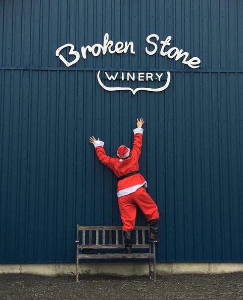 santa comes to Broken Stone
