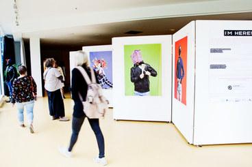 I´M HERE I   Ausstellung