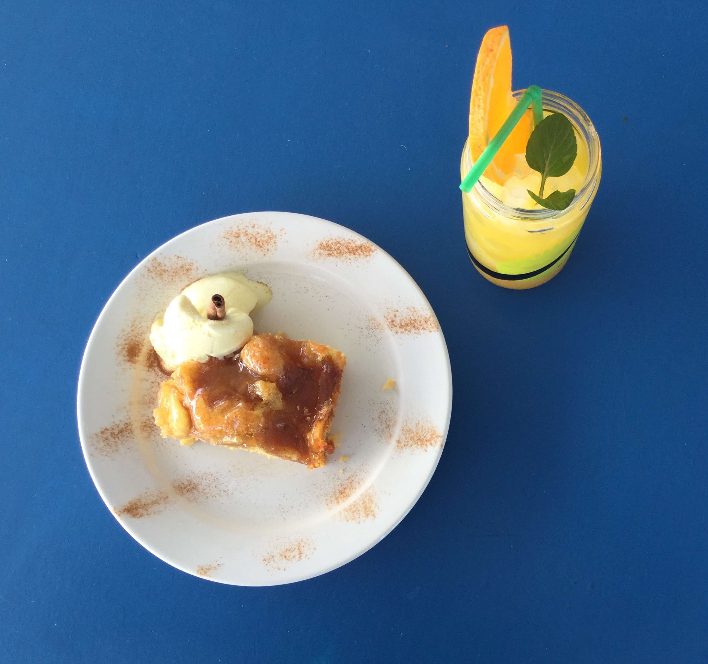 Apple pie with ice cream and drink