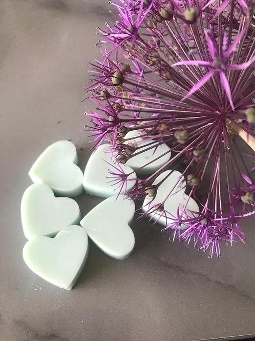 Avobath (LUSH) - Mini Hearts (35g Bag)