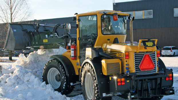 lundberg_7240_snow_bucket.jpg