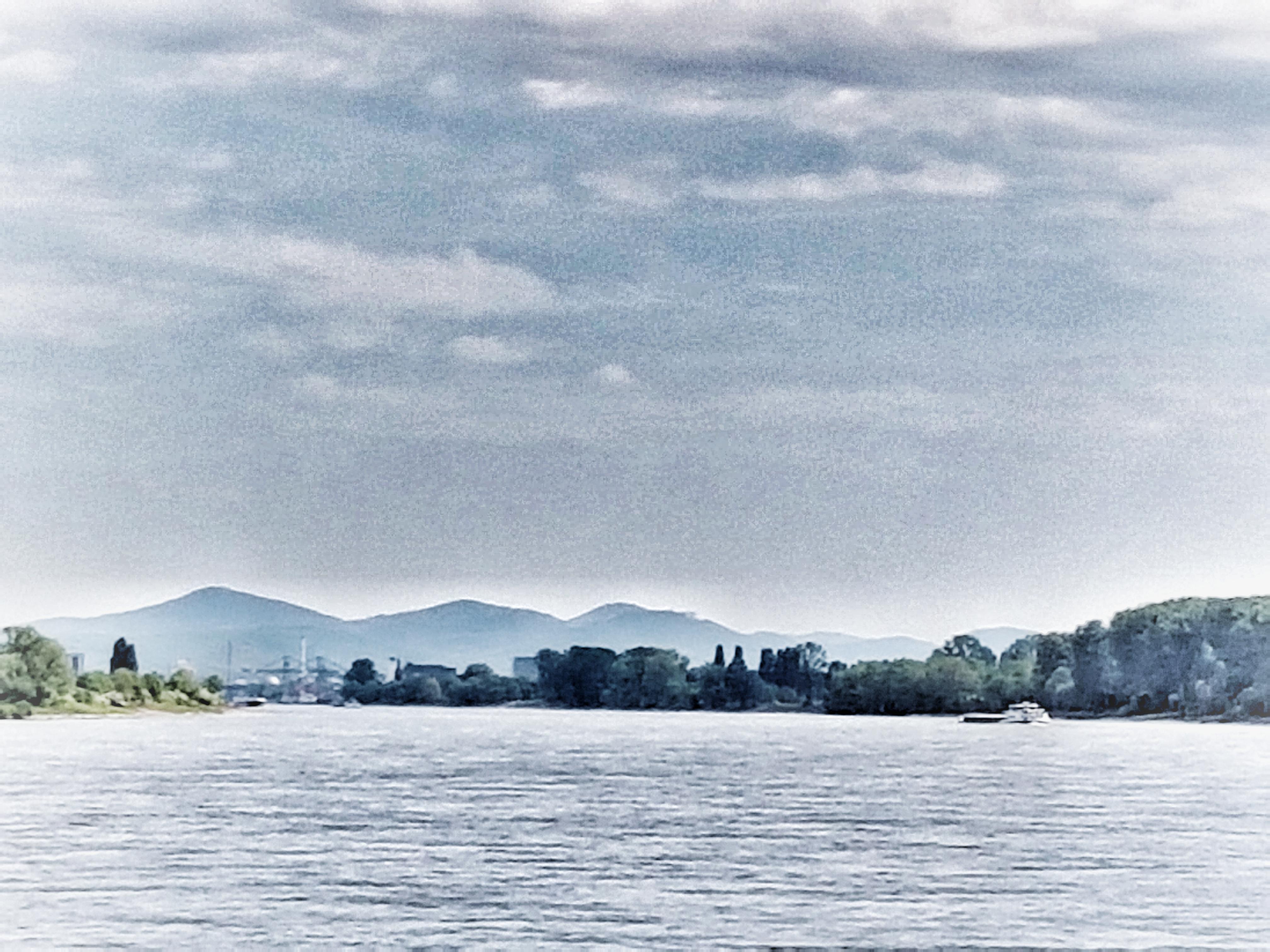 Das Siebengebirge am Rhein