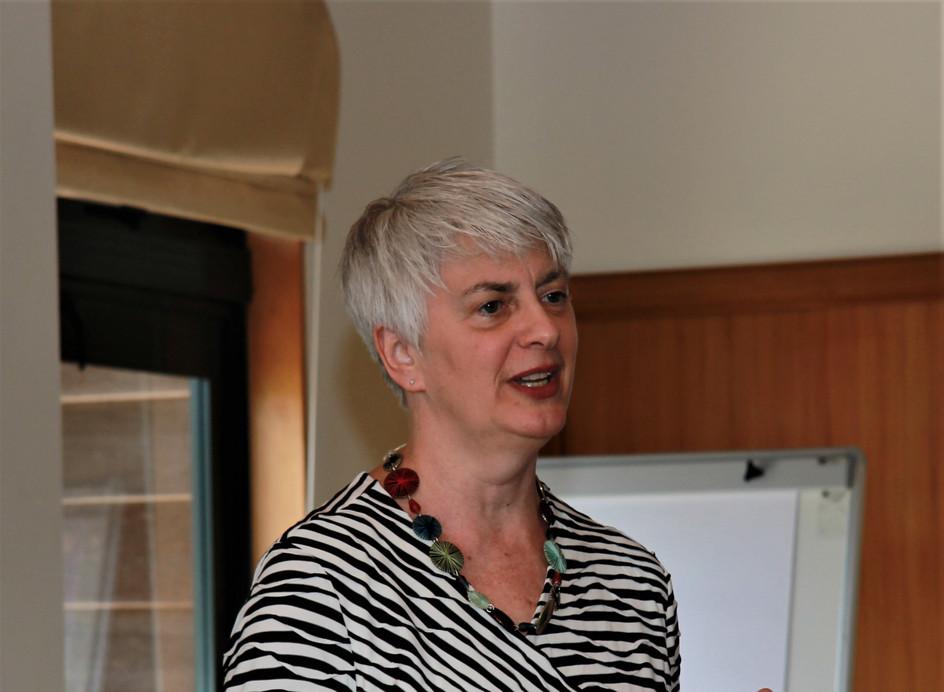 Dr Barbara Blodgett