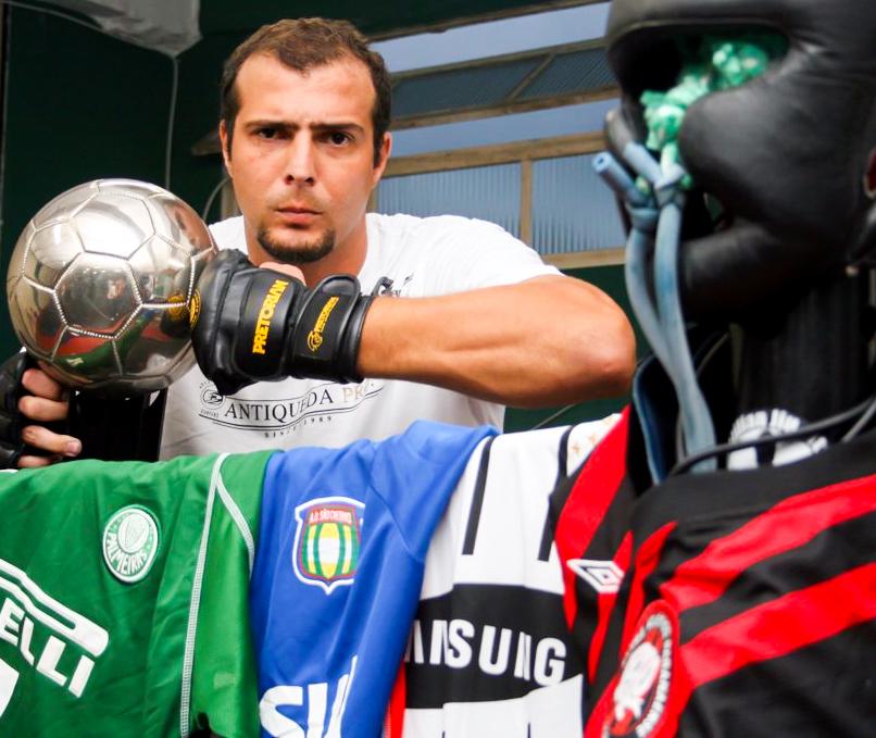 Ex-zagueiro Gustavo no MMA