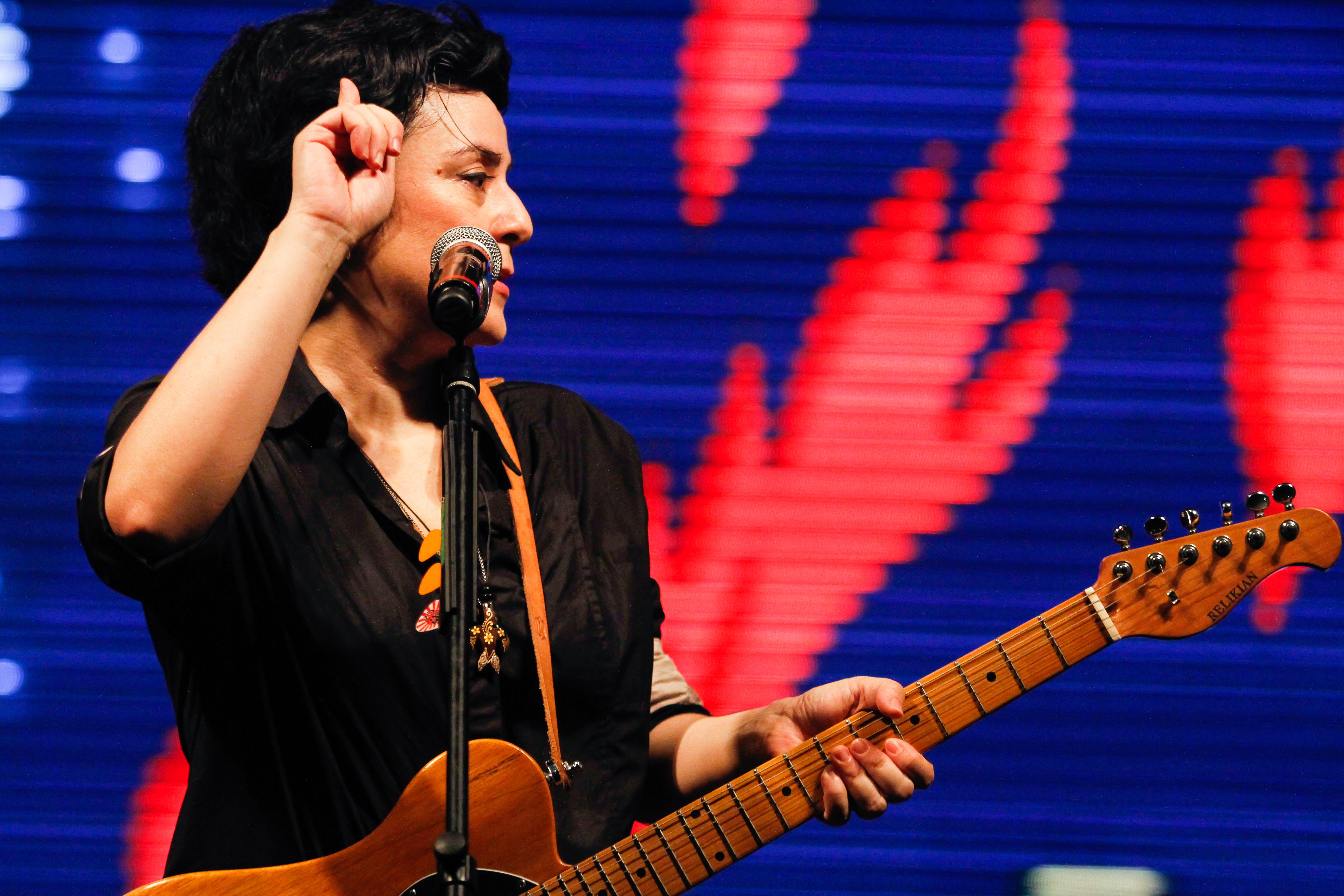 Fernanda Takai (Pato Fu)