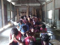 Bangladesh orphans praying