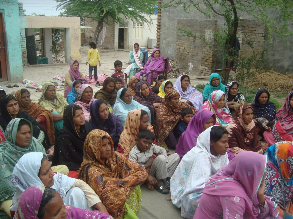 Pakistani's hearing the Gospel