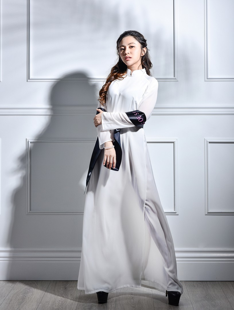 Anna Li - 1853 votes