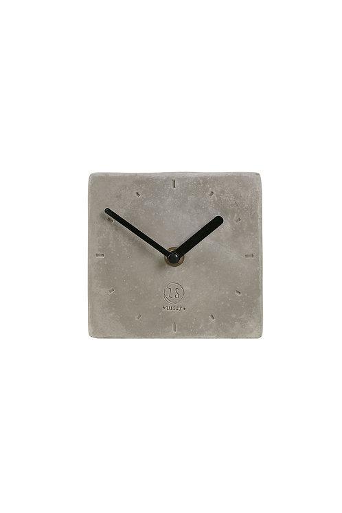 Klok vierkant beton