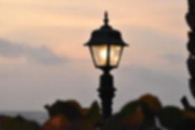 lamp-post-1677272_1920.jpg