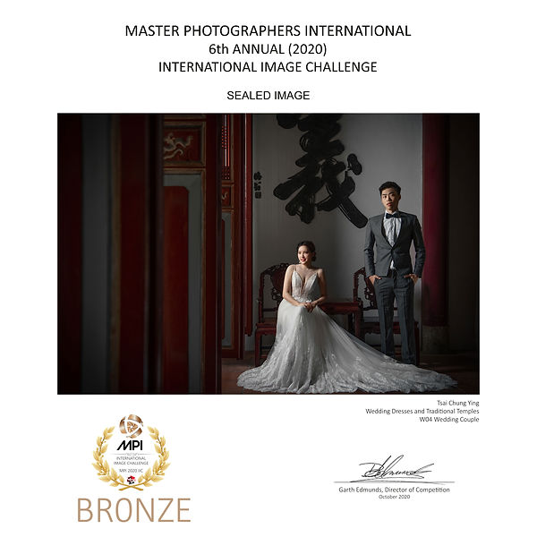 W4-Wedding-Dresses-and-Traditional-Templ