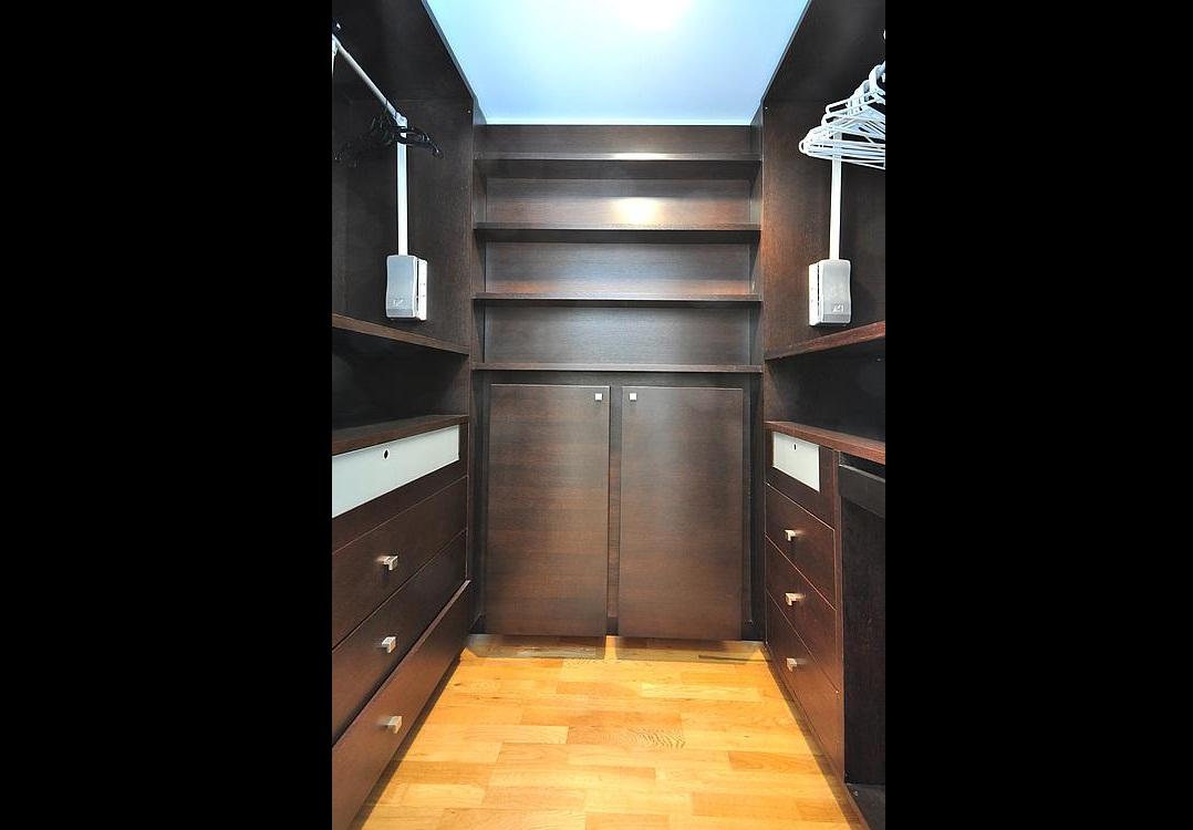 Meridian Closet