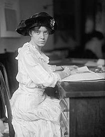 Alice_Paul_(1915).jpg