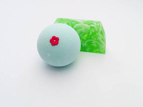 Frog Snog Gift Set