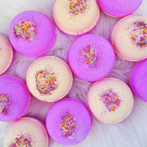 Rhubarb & Custard Bath Bomb