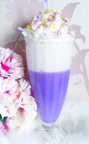 Parma Violet Milkshake Candle