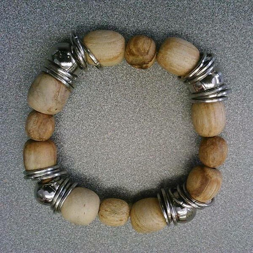 Small beads bracelet with metal beads