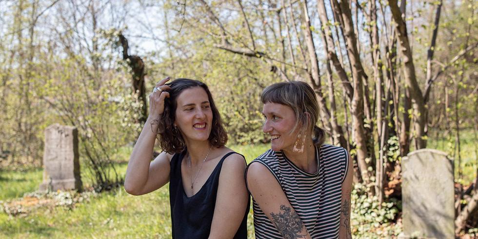 Online Yoga Retreat mit Milena & Mona