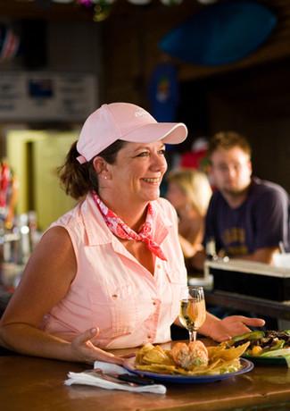 Paradise Inn Bar & Grill
