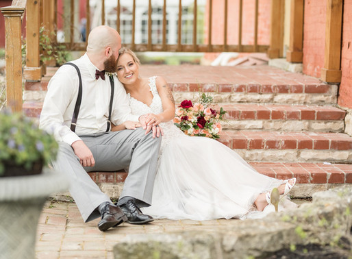 Spring Wedding | The Willow Tree | Hayley & Nick | Kayla Bertke photography & design