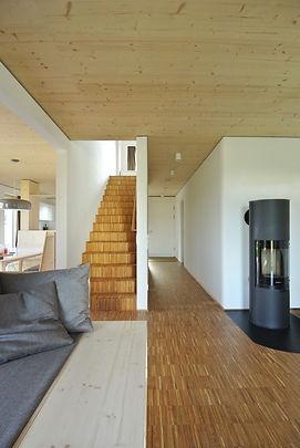Architekt Nürnberg, Architekt Fürth, Architekt Erlangen, Architekt Neuendettelsau, Architekt Einfamilienhaus, Architekt Holzbau, Treppe mit Industrieparkett, Hochkantlamellenparkett, Volker Schmidt Architekten