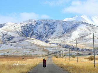 Al filo del invierno en el Parque Nacional Sayram-Ugam.