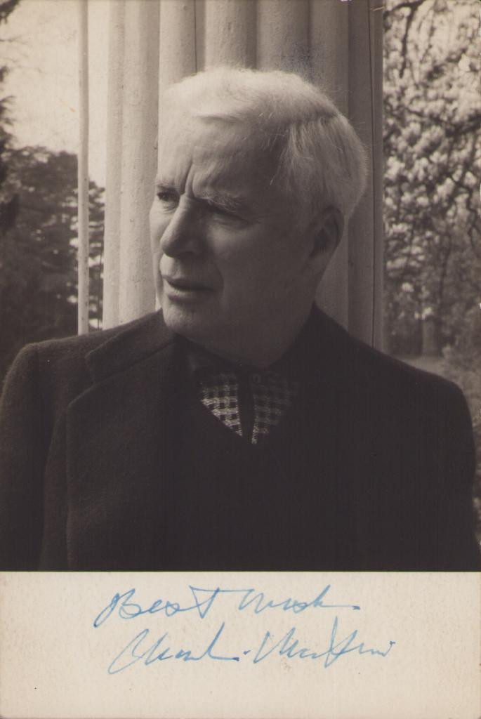 "Foto autografa di Sir Charles Spencer ""Charlie"" Chaplin"