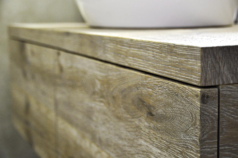 Badezimmermöbel in Eich altholz
