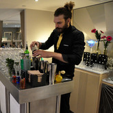 Mobile Cocktail Bar, Hire a mixologist, Molecular Cocktails, Corporate catering, bartender hire