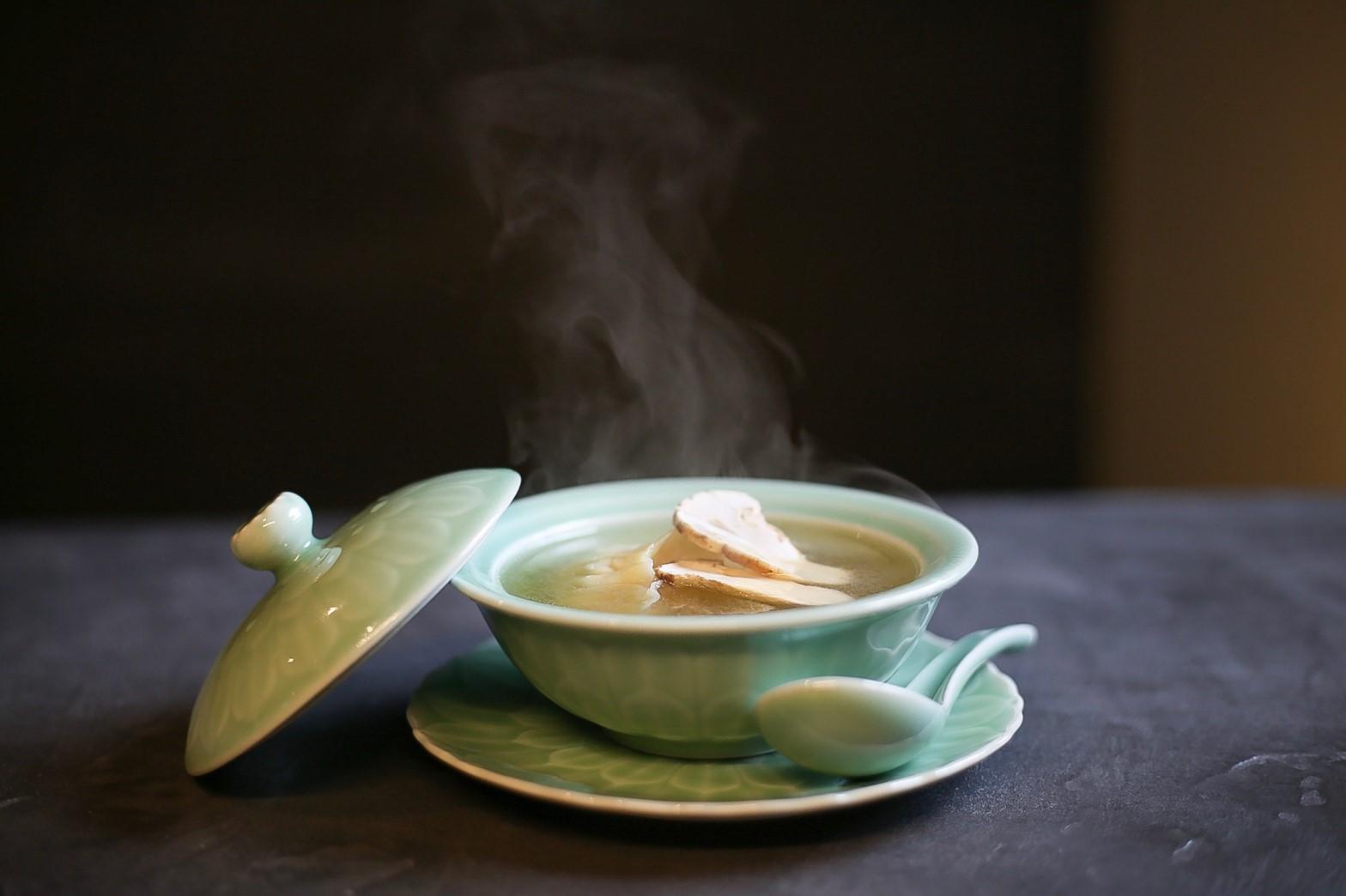 ふかひれ入りしスープ餃子 松茸の香り