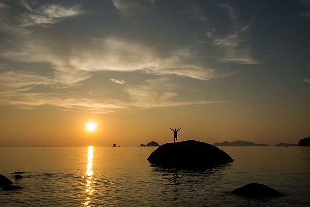 sunset-3225828__480.webp