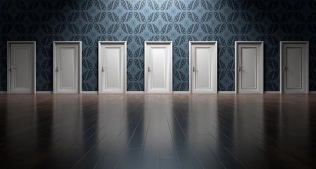 doors-1767562__480.webp