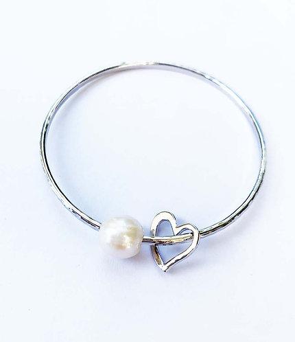 Pu'uwai (Heart) Pearl Charm Bangle Bracelet