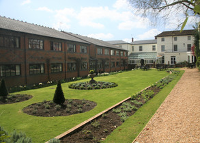 Winchester Royal Hotel - Exterior.jpg