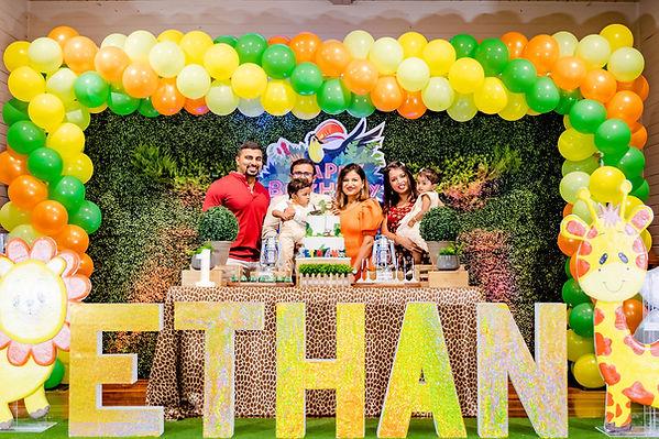 Ethan's1stBirthdayPhotos-214.jpg