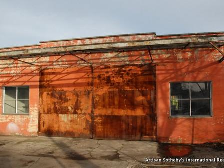 Annie Leibovitz and relatives purchase Healdsburg building for community art center