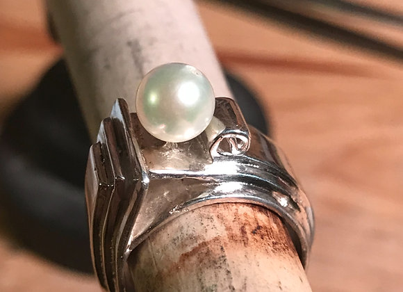 Waves of Innocence Pearl Ring