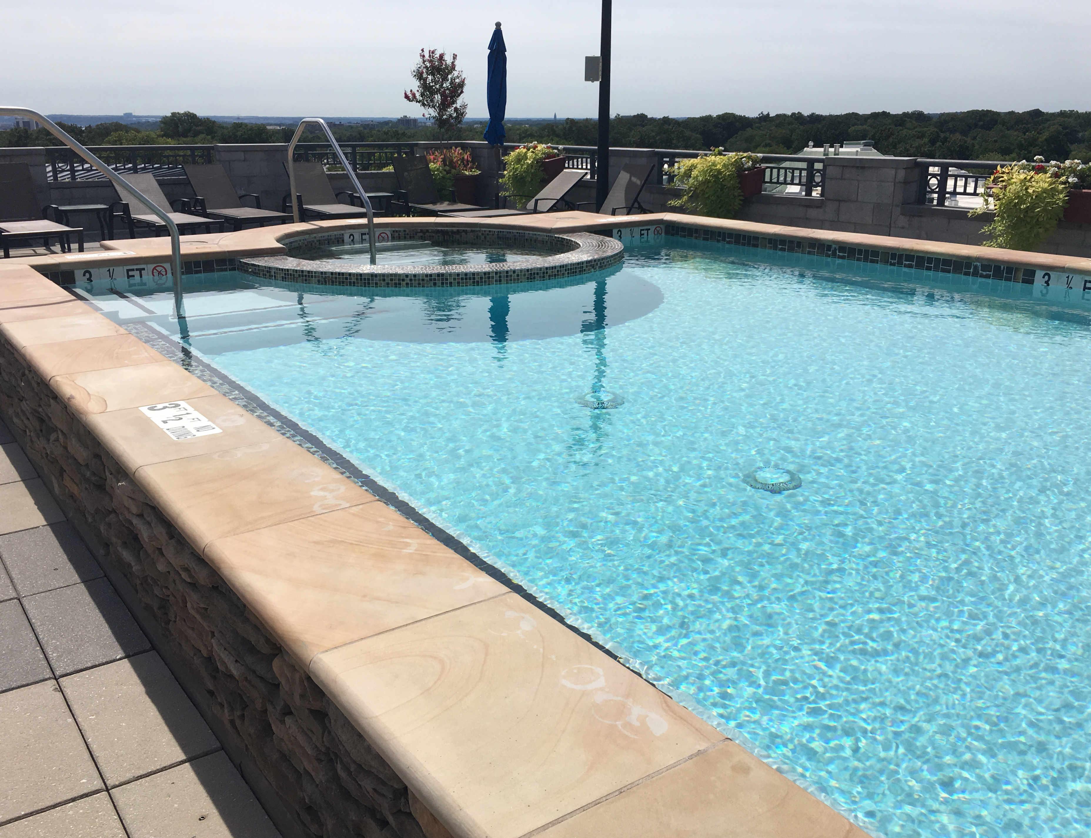 Pool 4 Clarendon 1021