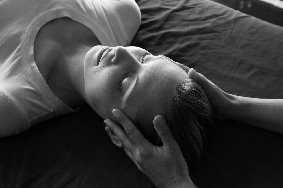 how does craniosacral therapy look like