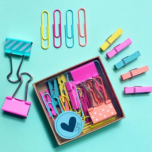 Pack clip, palillos y agarra papeles.